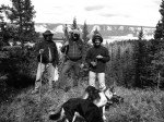 Rod, Matt, Eric et les chiennes sur le chemin du retour.