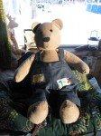 Le super Teddy Bear fait à la main par une amie du Club Tricot.