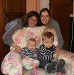Delphine et son petit Pierre, 20 mois.