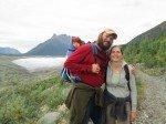 Les Lorenz devant Root Glacier.