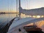 Beau leve de soleil dans la baie de San Diego.